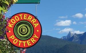 kooterra-pottery-sign
